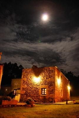 Casa do Batan (Lugo, España)  http://www.toprural.com/Casa-rural-habitaciones/Casa-Do-Bat%C3%A1n_23883_f.html