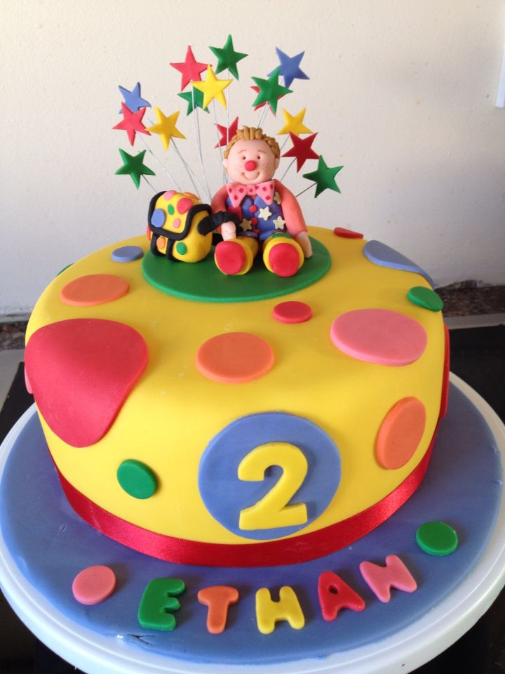Colourful spotty, Mr Tumble kids cake that's perfect for the Something Special fan in your life!