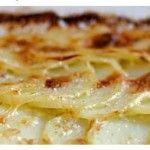Gratin di patate e porri all'alloro - ricetta vegan