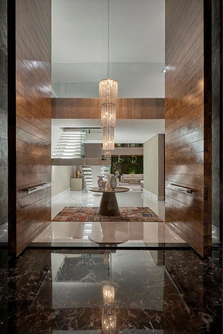 Pasillos y recibidores de estilo por estela netto arquitetura e design en 2019 house entrada - Recibidores de casas modernas ...