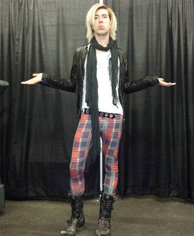 Josh Ramsay. The king of sassy pants and fabulous boots>>> there's something more sassy than him.... Red heads.