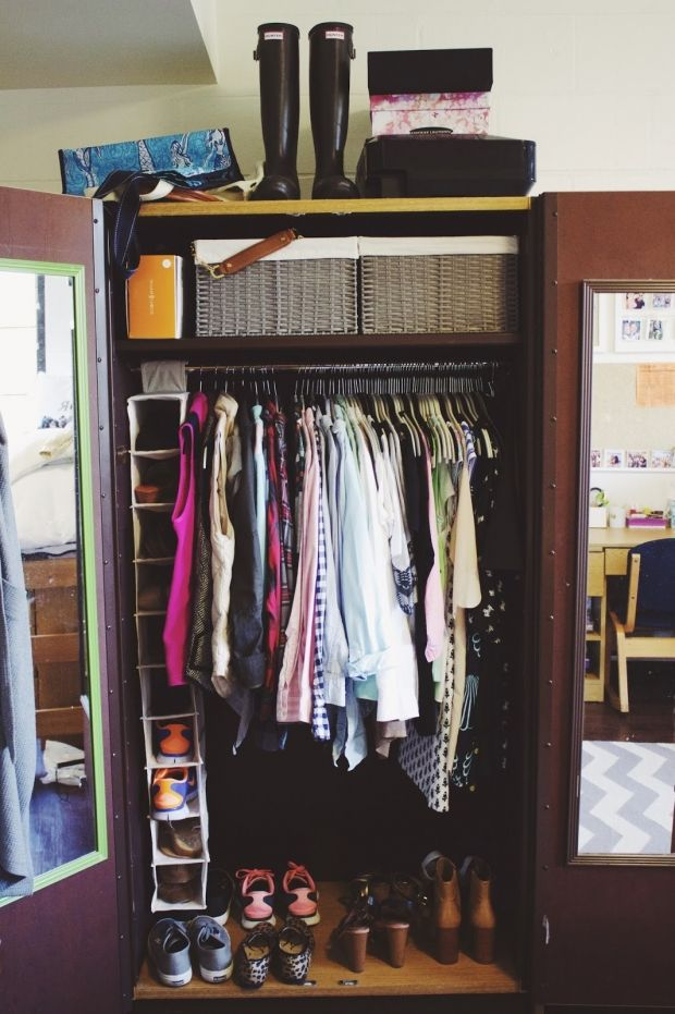 Best 25 dorm room storage ideas on pinterest college for Best way to organize your closet