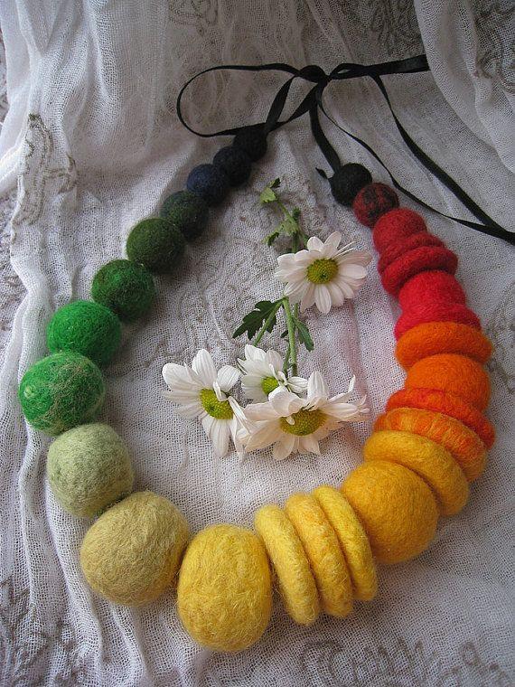 """A felt necklace """"Crazy beads"""" - planas, verdes"""