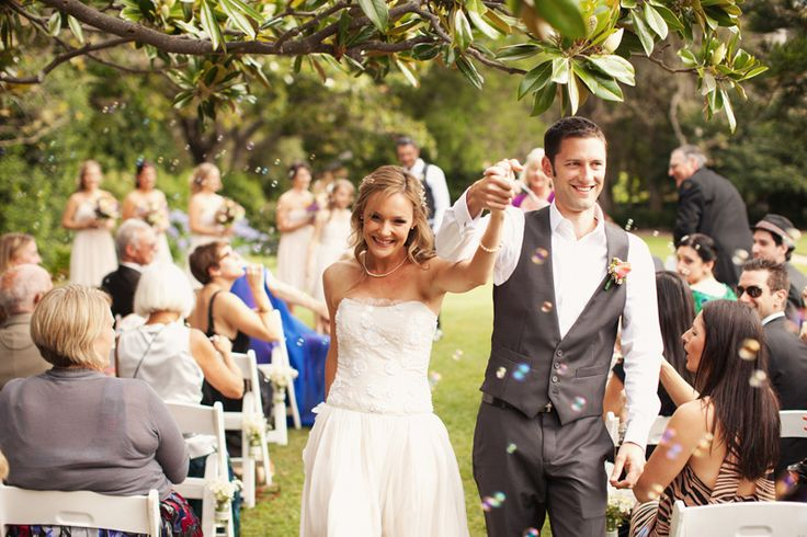 Talented #SouthernHighlands #WeddingPhotographer  These will facilitate you by clicking natural pictures with perfect position. These  professionals in Southern Highlands are well trained and talented and know about all the  venues and locations of Southern Highlands.
