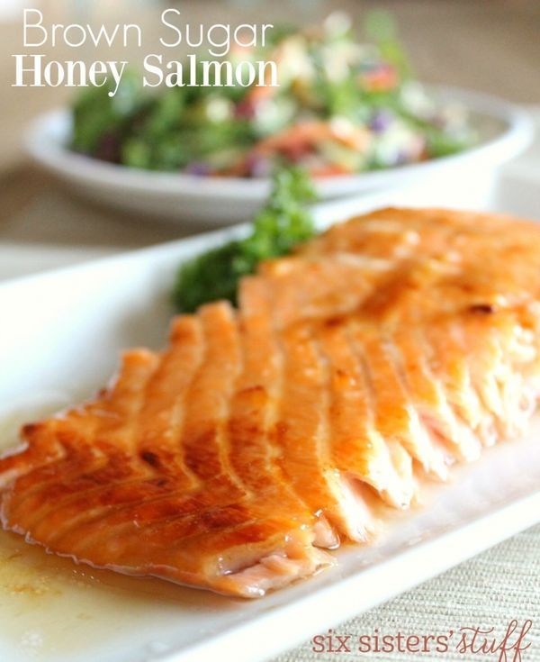 Brown Sugar Honey Salmon recipe from Six Sisters' Stuff | This Brown Sugar Honey Salmon is one of my new favorite ways to eat salmon! Hope you like it as much as I did!