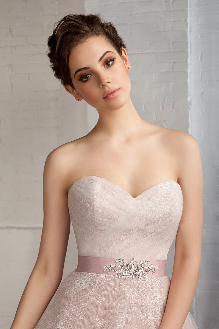 Cosmobella wedding dress Style 7758: Cosmobella 2016 bridal collection : https://www.itakeyou.co.uk/wedding/cosmobella-wedding-dress-2016 #weddingdress #weddingdresses