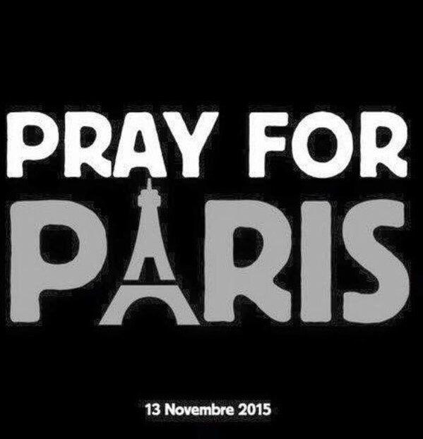 120 muertos 200 heridos en 6 atentados en París estado d sitio frontera cerrada  x las víctimas parisinas y sus familias. #Prayer4París