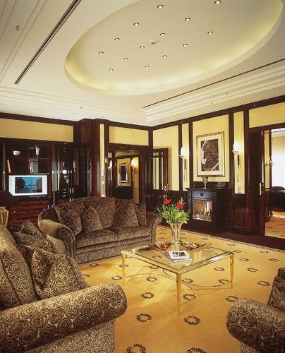 Presidential Suite with fireplace (can you see it?)     Maritim Hotel Berlin