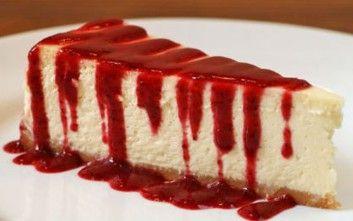 Cheesecake με στέβια και σως φράουλας