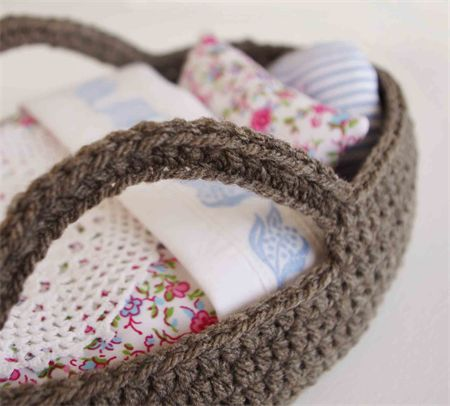 Knitting Pattern For Dolls Moses Basket : Dolls Moses Basket and bedding set / vintage fabrics ...