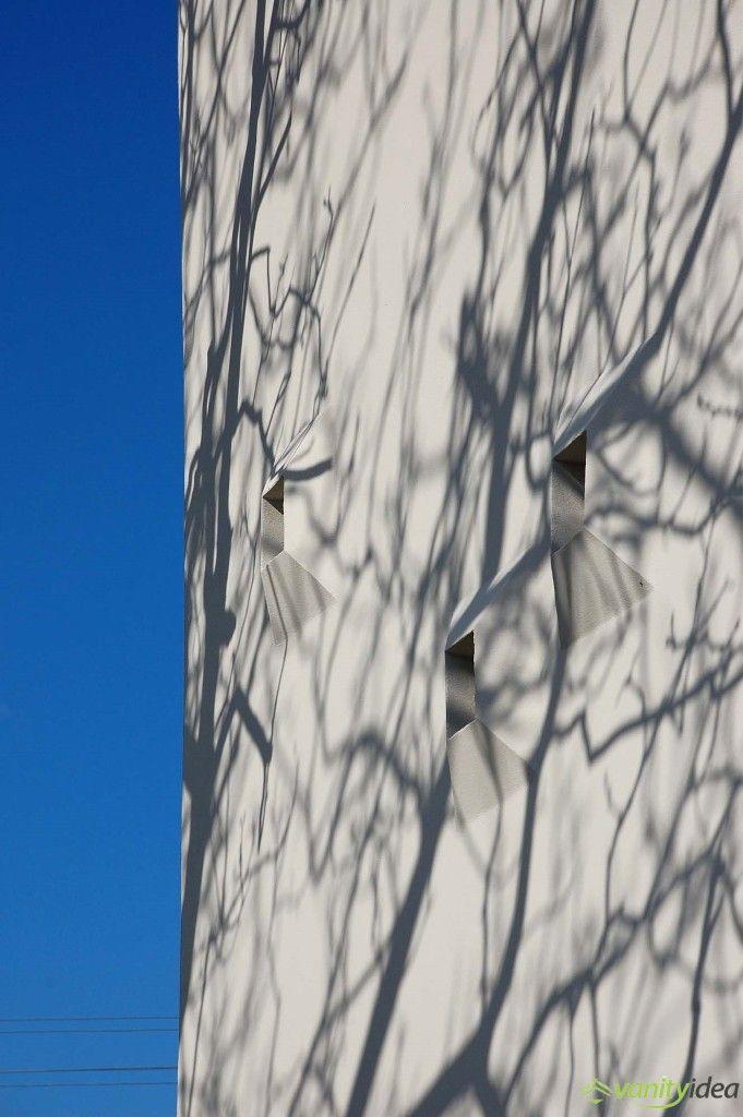 impressive  cubic-shaped windows