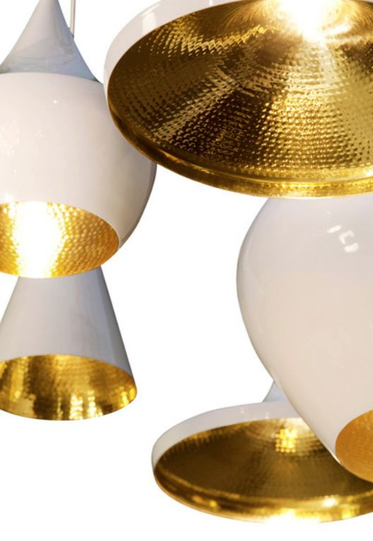 The Tom Dixon Beat Light Fat (white) is a pendant light inspired by the sculptural simplicity of brass cooking pots and traditional water vessels from the Indian subcontinent.