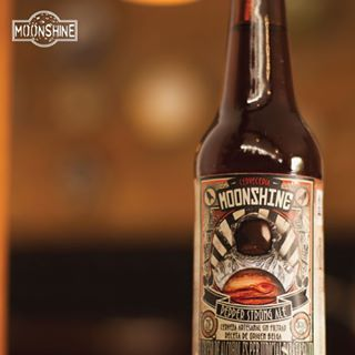 Ya probaste nuestras cervezas? Pídelas a #domicilio al 3012425550 #piensaindependiente #tomaartesanal #cervezabogotana #cervezasmoonshine #cervezacolombiana #craftbeer #bogota