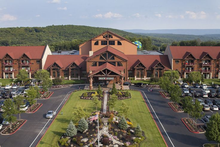 Great Wolf Lodge Pocono Mountains, PA. I've been here at it was amazing!!