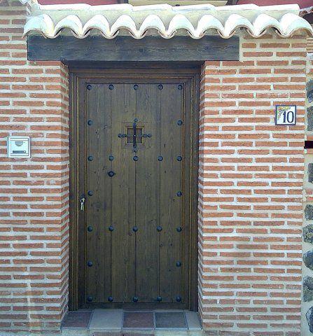 Exposicion de productos artesanos de el arca de ambroz - Puertas rusticas de madera ...