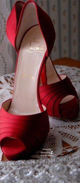 Sapato vermelho lindo