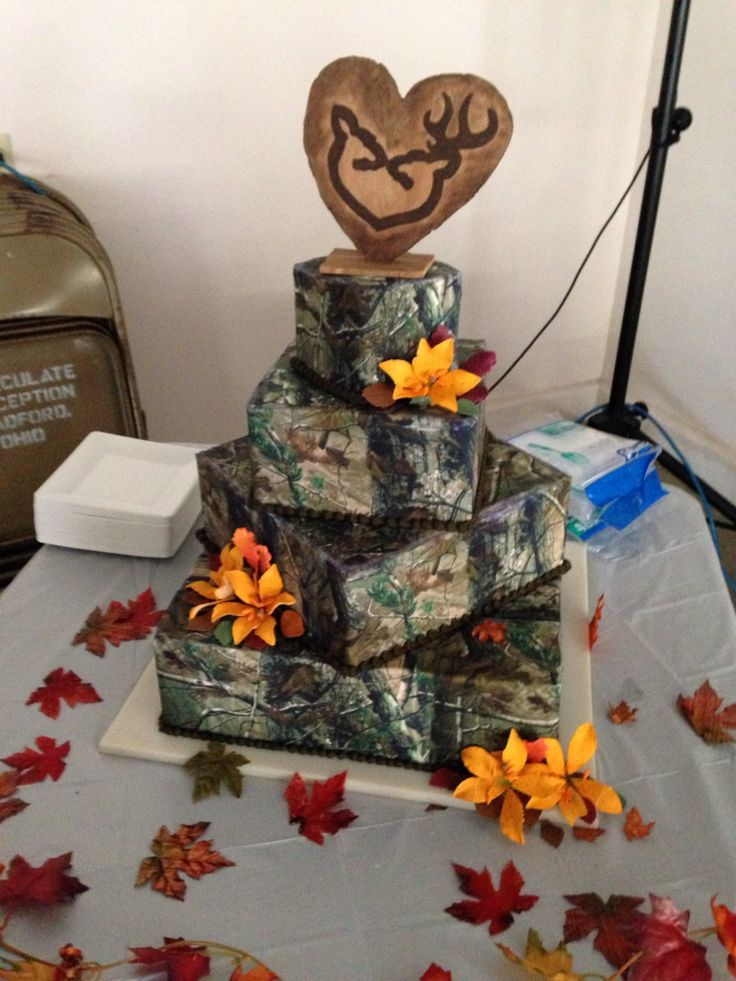 My wedding cake of realtree camo 2014