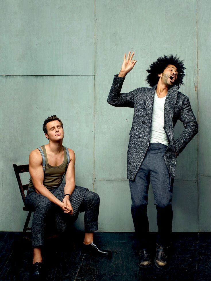 daveed diggs + jonathan groff - the stars of Hamilton. I want to see this so bad! Time for a road trip to Broadway :)