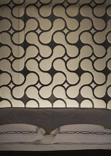 Ci si perde come d'incanto nelle boiserie della collezione Mosaico di Corvasce Design...  #corvascedesign #design #boiserie #parati #mosaico #cardboard