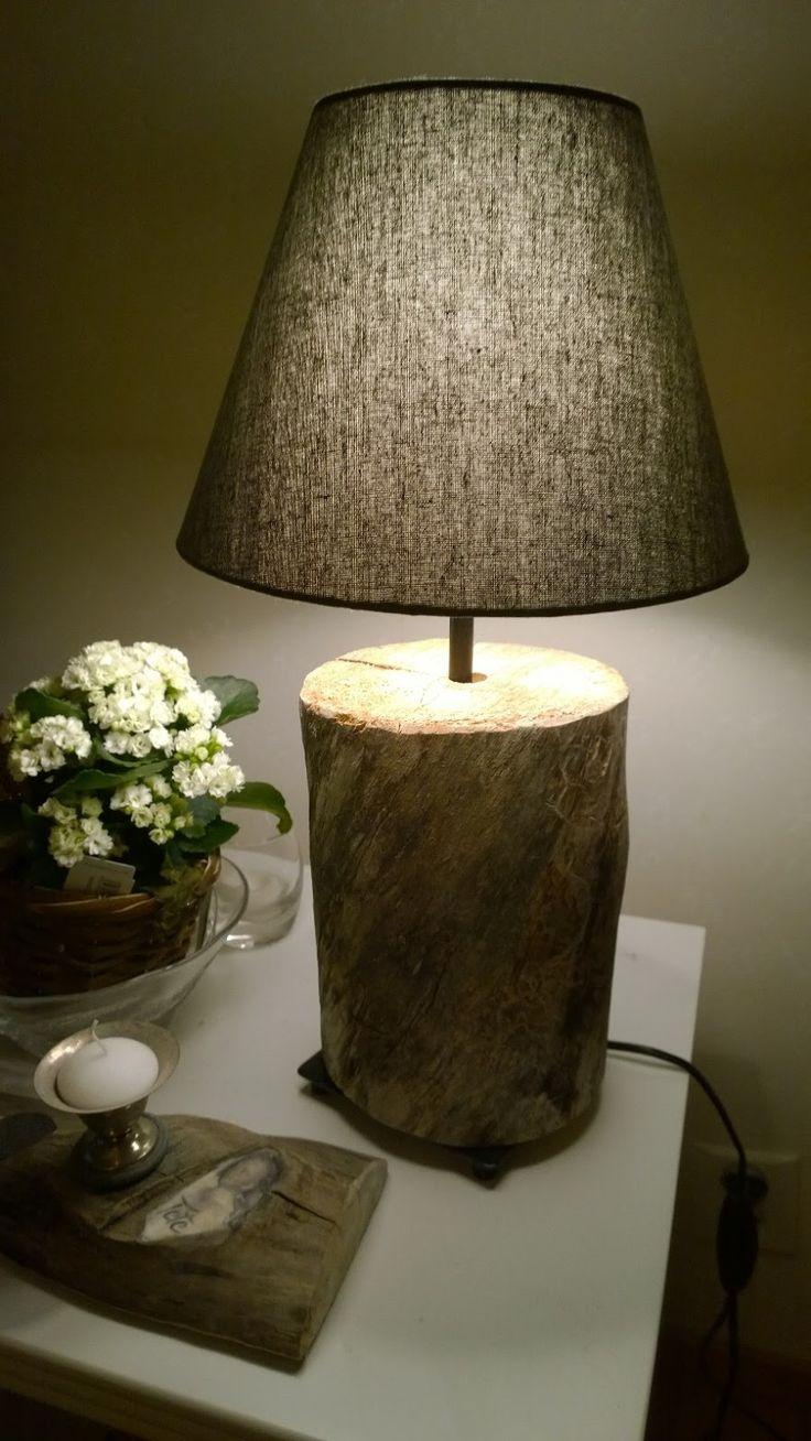 Pöytälamppu Ikea-rungolla ja -varjostimella. Rustic table lamp from old wood.