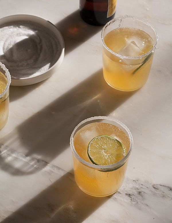 So in the spirit of celebrating Cinco De Mayo, we put together this list of easy margarita recipes you can make at home!