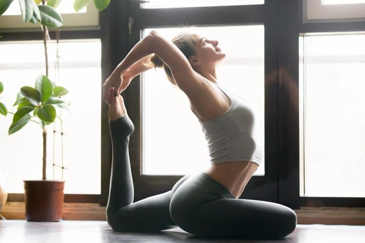 Studier peger på yogaens positive effekter på mental og fysisk sundhed og personlig udvikling.Yoga lindrer kronisk smerte og hjælper med at håndtereastma, diabetes, lymfekræft og brystkræft.Yoga hjælper personer med mentalelidelsersom depression OCD angst PTSD