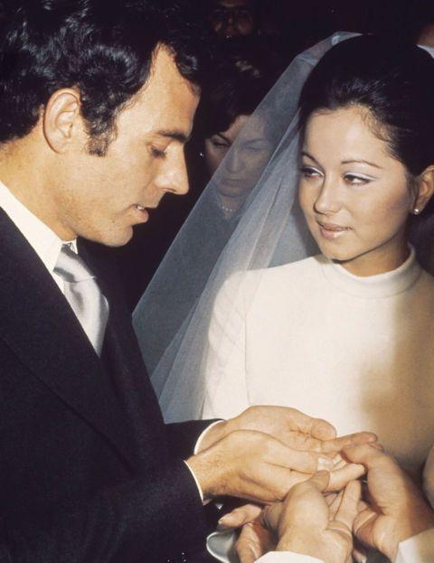 Intensa y breve fue la relación de Julio Iglesias e Isabel Preysler: se casaron, tuvieron tres hijos y se separaron entre 1971 y 1976.