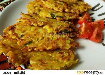 Placičky z brambor, celeru a pórku recept - TopRecepty.cz