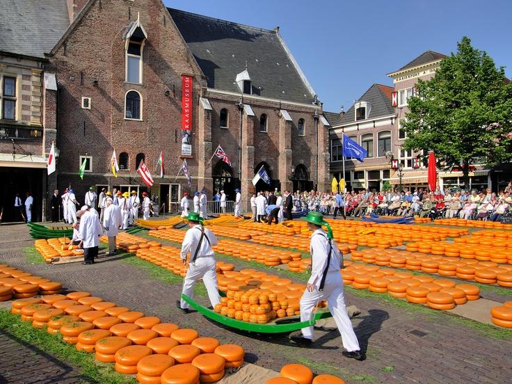 Holland - Alkmaar (Cheese Market)