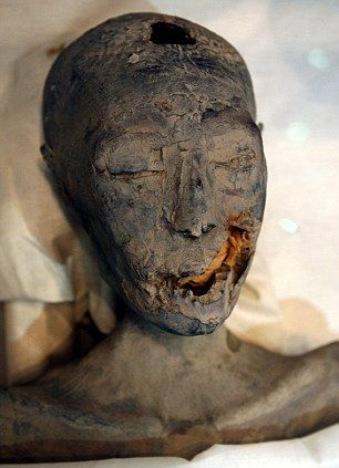 Scientists have now identified Mummy KV35YL as being that of Tutankhamun's mother, her name is unknown. She was his father Akhenaten's sister.