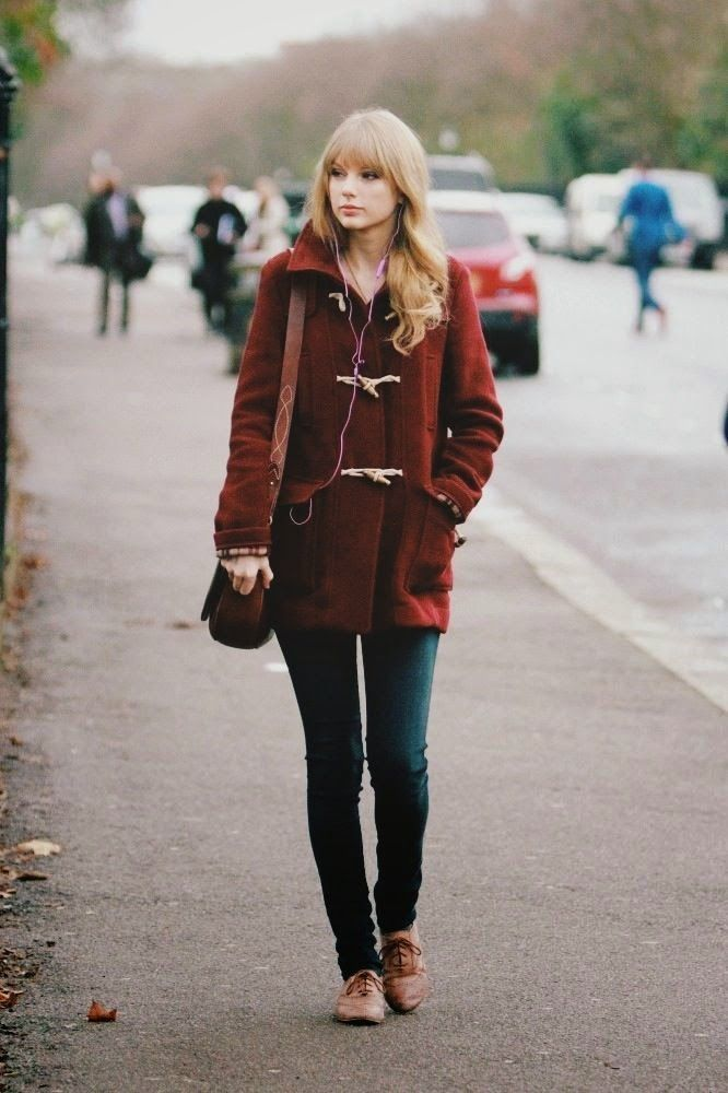 Adorable fall outfit. Love the oxfords and the toggle coat. #style #vintage #outfit
