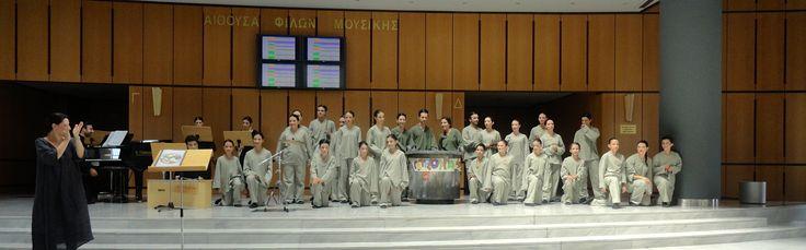 Η «Πετρόσουπα» από το μουσικό σχήμα -χορωδία «Τέττιξ», παρουσιάστηκε στο 30ο Παγκόσμιο Συνέδριο της Διεθνούς Ένωσης για τη Μουσική Εκπαίδευση (ISME - International Society for Music Education), τον Ιούλιο του 2012, στο Μέγαρο Μουσικής Θεσσαλονίκης. Παρουσιάζοντας ένα απόσπασμα στο φουαγιέ του Μεγάρου.