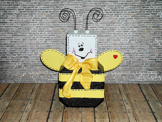 Bee Patio Paver