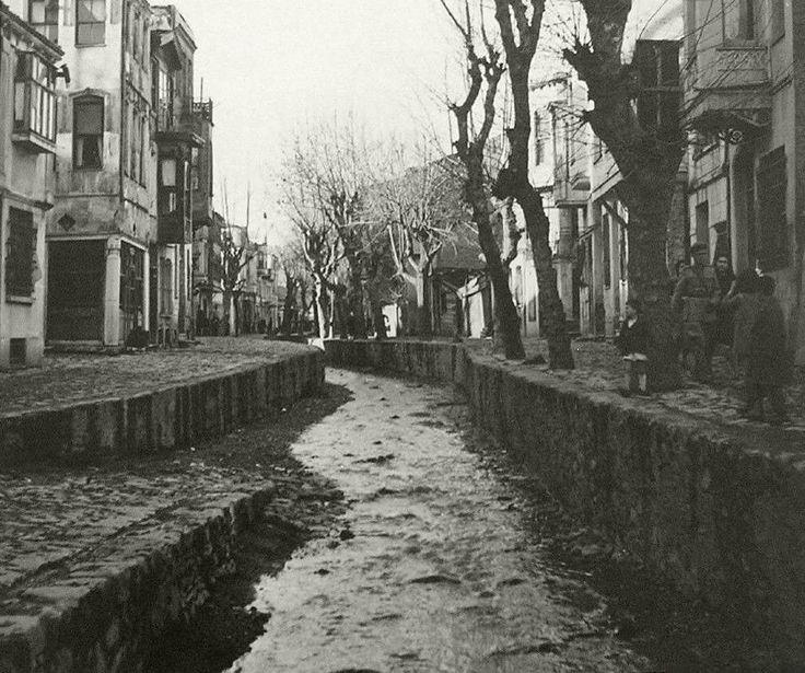 Nerede o eski dere? F: Ortaköy Dereboyu Caddesi (tarih?) #istanbul #birzamanlar…