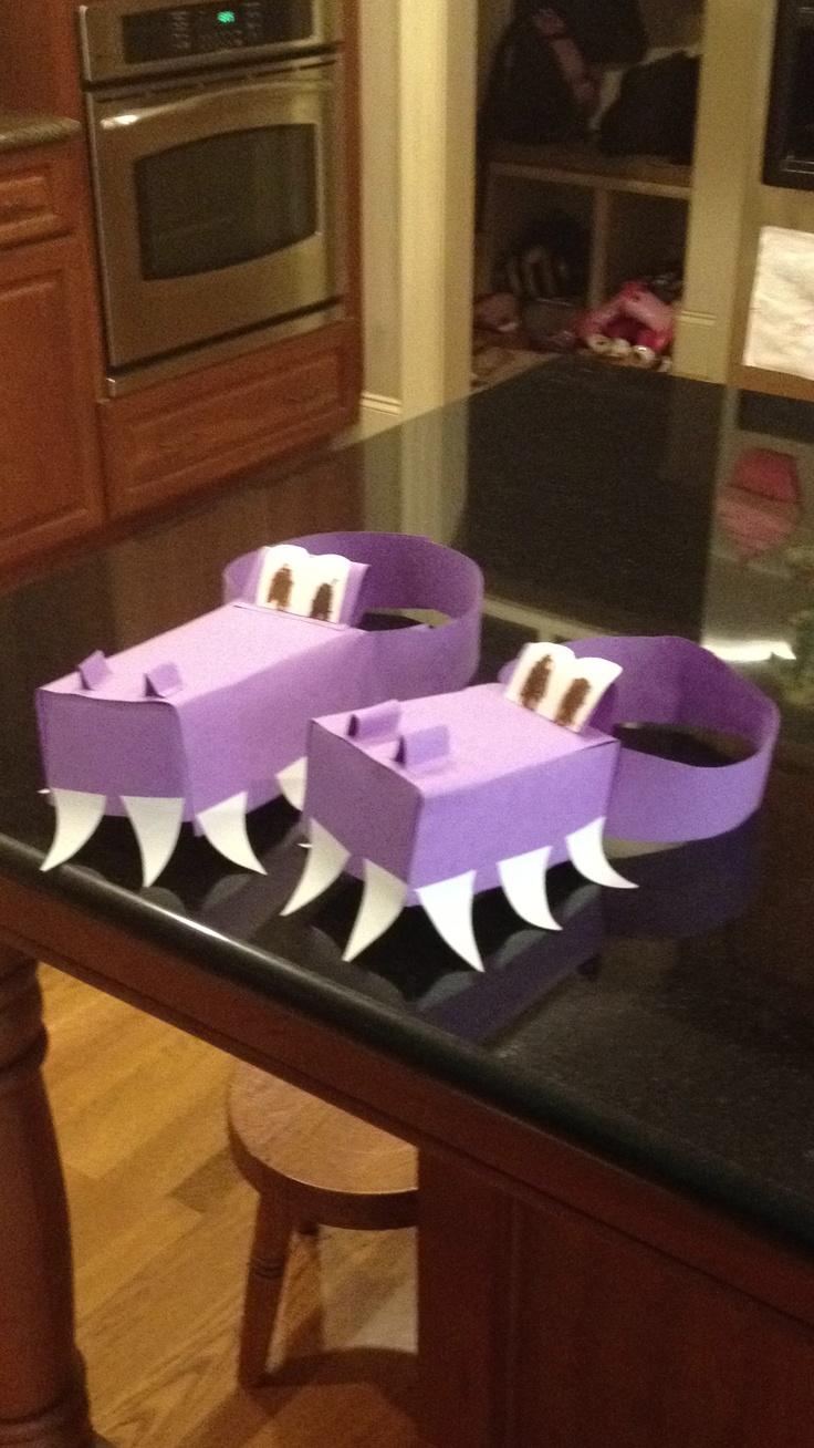 Construction paper crocodile hats!