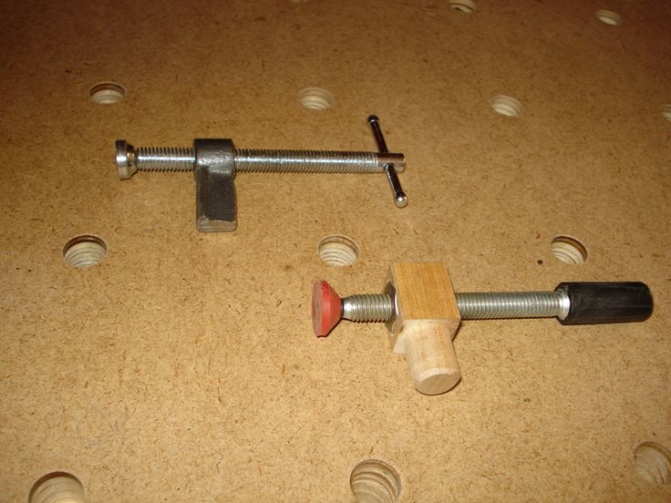 Prensa horizontal, para usar en la mesa de trabajo con orificios, se ve fácil de hacer