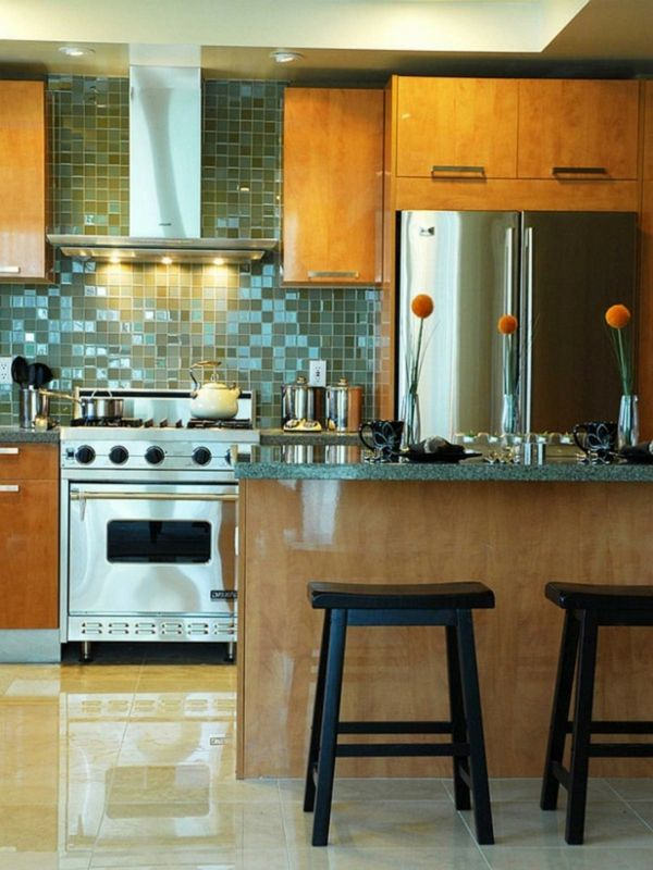die 25 besten ideen zu fliesenspiegel glas auf pinterest. Black Bedroom Furniture Sets. Home Design Ideas