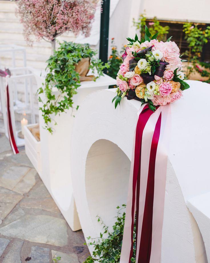 Bridal bouquet from SenSyle in lovely colors! www.sensyle.com  #sensyle #sensyleevents #weddingplanner #weddings #chlorofilli #chlorofilliflowers