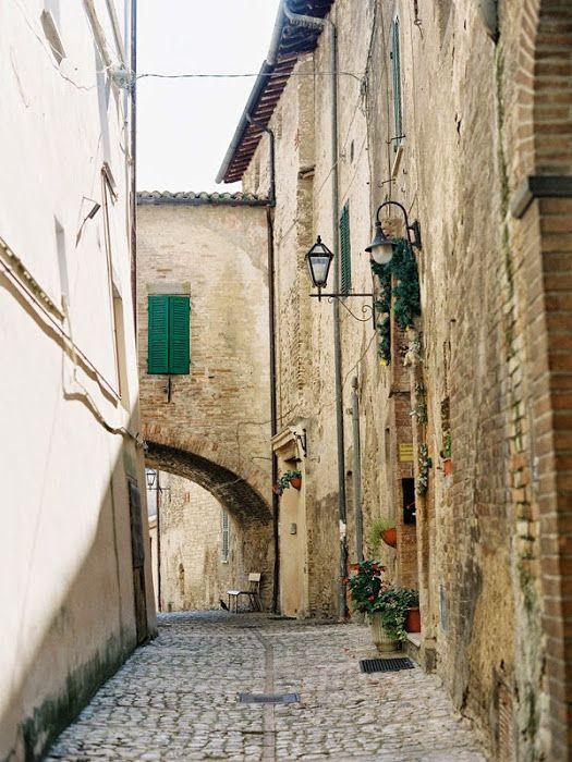 Vanessa Jackman: Weekend Life....Borgo di Carpiano, Gubbio, Umbria