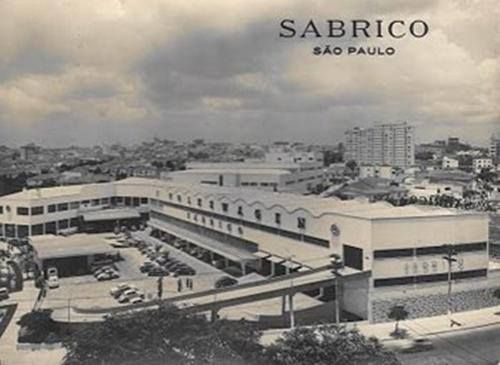 Sabrico, onde hoje é o Shopping West Plaza. Esquina com a Francisco Matarazzo. A Sears Rebouck ao fundo.