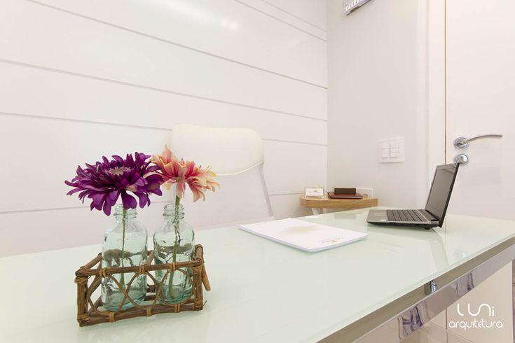Projeto de Arquitetura para Consultório Médico Desenvolvemos um projeto personalizado de consultório no bairro do Paraíso, por Luni Arquitetura e Decoração