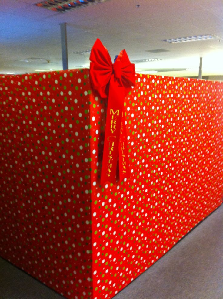55 best cubicle d cor images on pinterest cubicle ideas for Cubicle decoration xmas