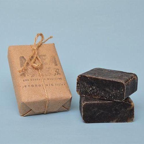 El jabón de Tepezcohuite es 100% natural y biodegradable.  Es de gran ayuda en tratamiento de piel con quemaduras o heridas. Muy efectivo para eliminar grasa y acné.  Contenido 125g.