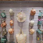 Op zoek naar de stro hoeden  van 2017? Of de tas trend van dit moment? Bij Rafa Mode in Amsterdam vindt je kleine tassen (de trend van 2017!), stro-hoeden, strand tassen en meer hippe zomer accessoires voor 2017.