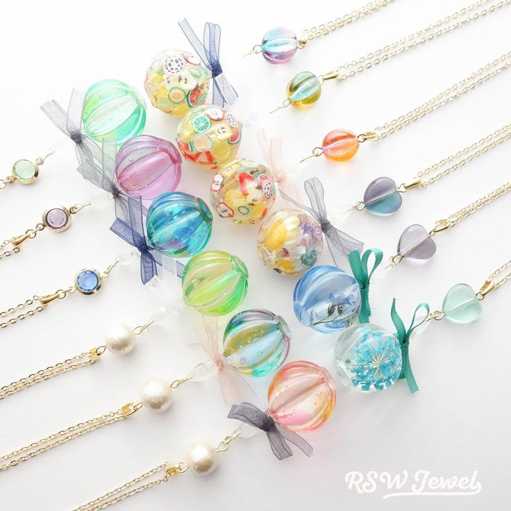 Beautiful Resins with a surprised Rainbow in a light Colour of Colourfullness of Rainbow. ❤
