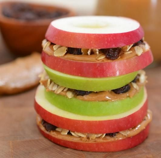 apple sandwiches - great back to school snack idea! {What types of healthy treats do you offer kids after a long school day?}
