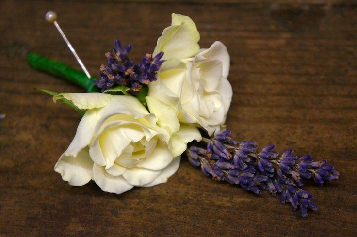 #greenroomflowers #weddingflowers #buttonhole