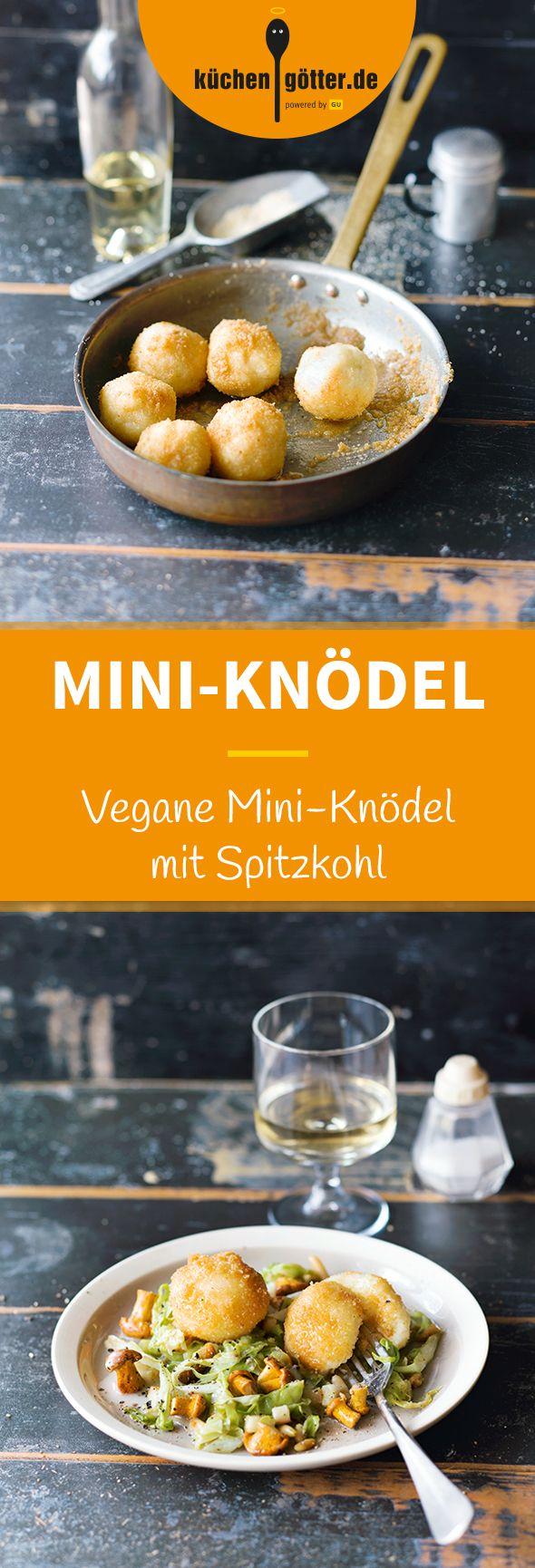 MINI-KARTOFFELKNÖDEL MIT SPITZKOHL - Mini-Knödel, maxi Genuss! Die Knödel werden in diesem Rezept mit einer feinen, veganen Sauce aus Spitzkohl und Pfifferlingen zubereitet. Wer da nicht zugreift, ist selber Schuld.