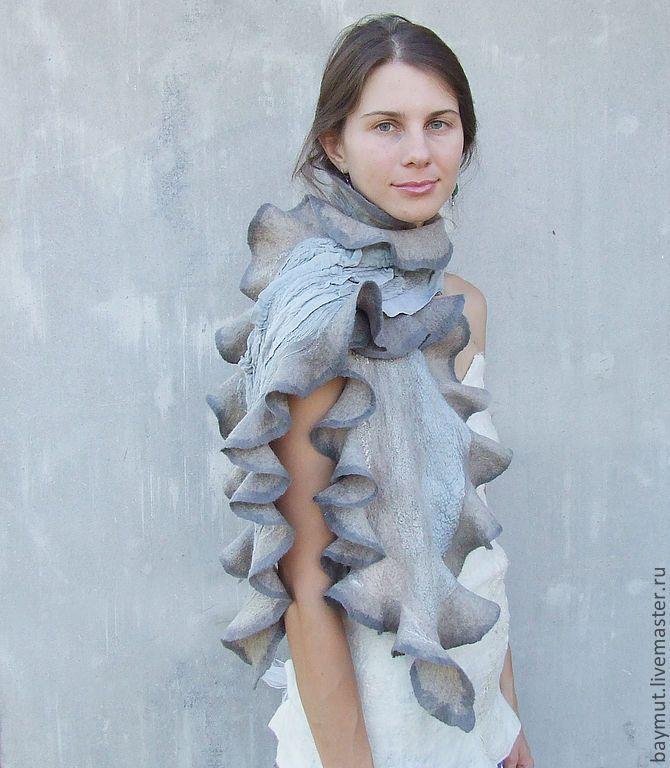 """Купить Серый рюшечный шарф """"Серая волна"""" - серый шарф, серый цвет, нейтральный"""