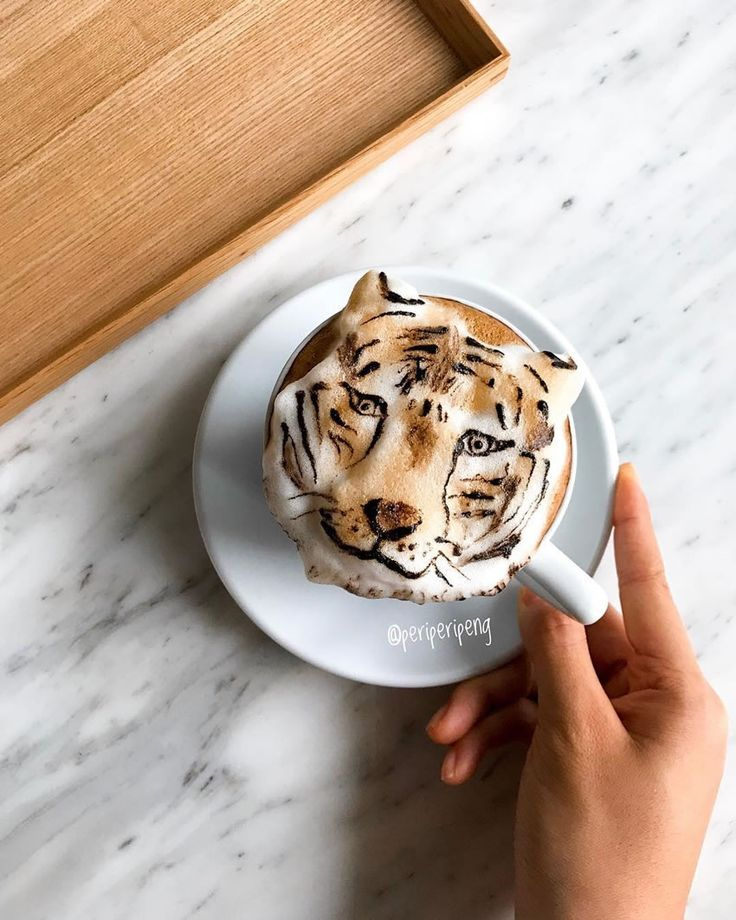 Playful, adorable 3D latte art by Daphne Tan, aka Periperipeng #3d #3dart #3ddrawing #3dpainting #3dpicture #coffee #coffeeart #daphnetan #drawing #food #foodart #latte #latteart #periperipeng #singapore #soymilk